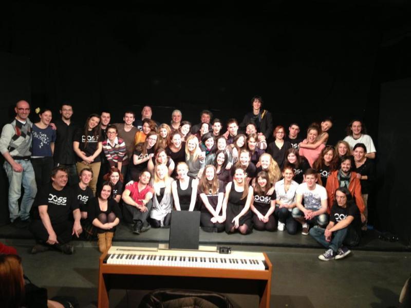 Improvizaţie teatrală româno-maghiaro-scoţiană la Universitatea de Arte din Tîrgu Mureş