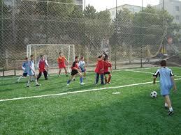 Exclusivitate! Copiii au dreptul să folosească terenurile de sport din cadrul şcolilor şi după terminarea programului