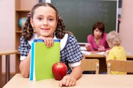 Cu puţin noroc, elevii mureşeni vor mai primi 20 de mere în acest an şcolar