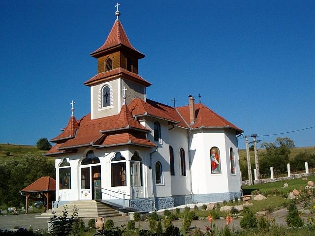 Preoţii fermieri din Braşov primesc peste 200.000 de euro subvenţii agricole