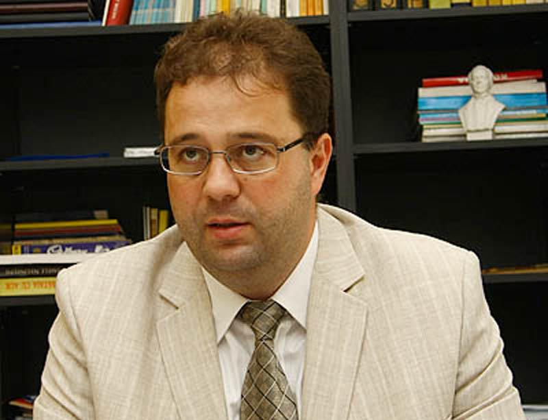 Senatorul PDL de Mureş, Marius Paşcan, este nemulţumit de faptul că nu se constituie comisii parlamentare pentru retrocedări ilegale