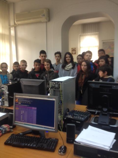 """Sute de elevi mureşeni au vizitat Radio Tg.Mureş în cadrul proiectului """"Şcoala altfel"""""""