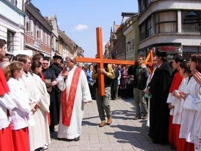 Drumul Crucii va fi refăcut de bisericile creştine din Braşov