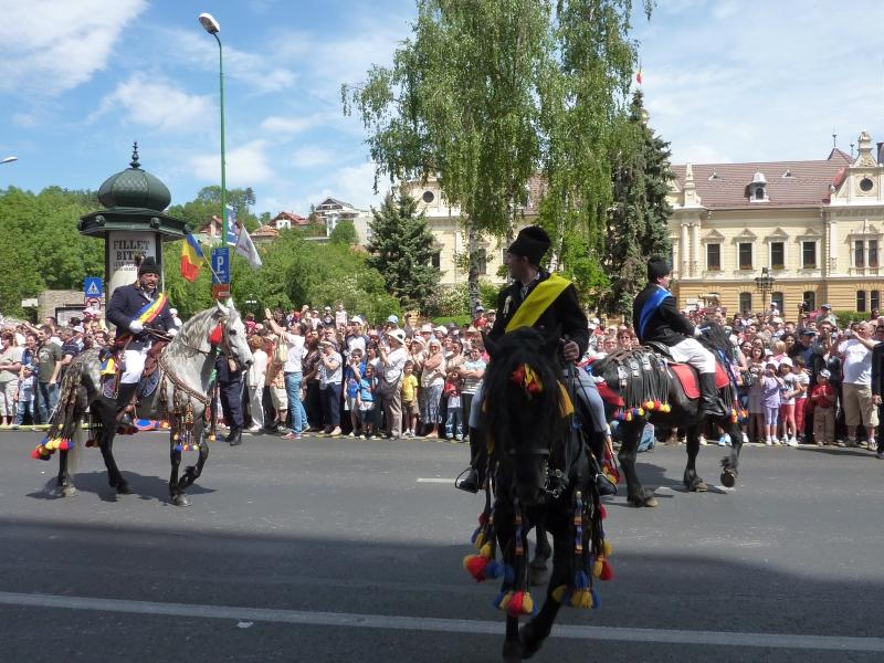 La Brașov are loc astăzi Parada Junilor