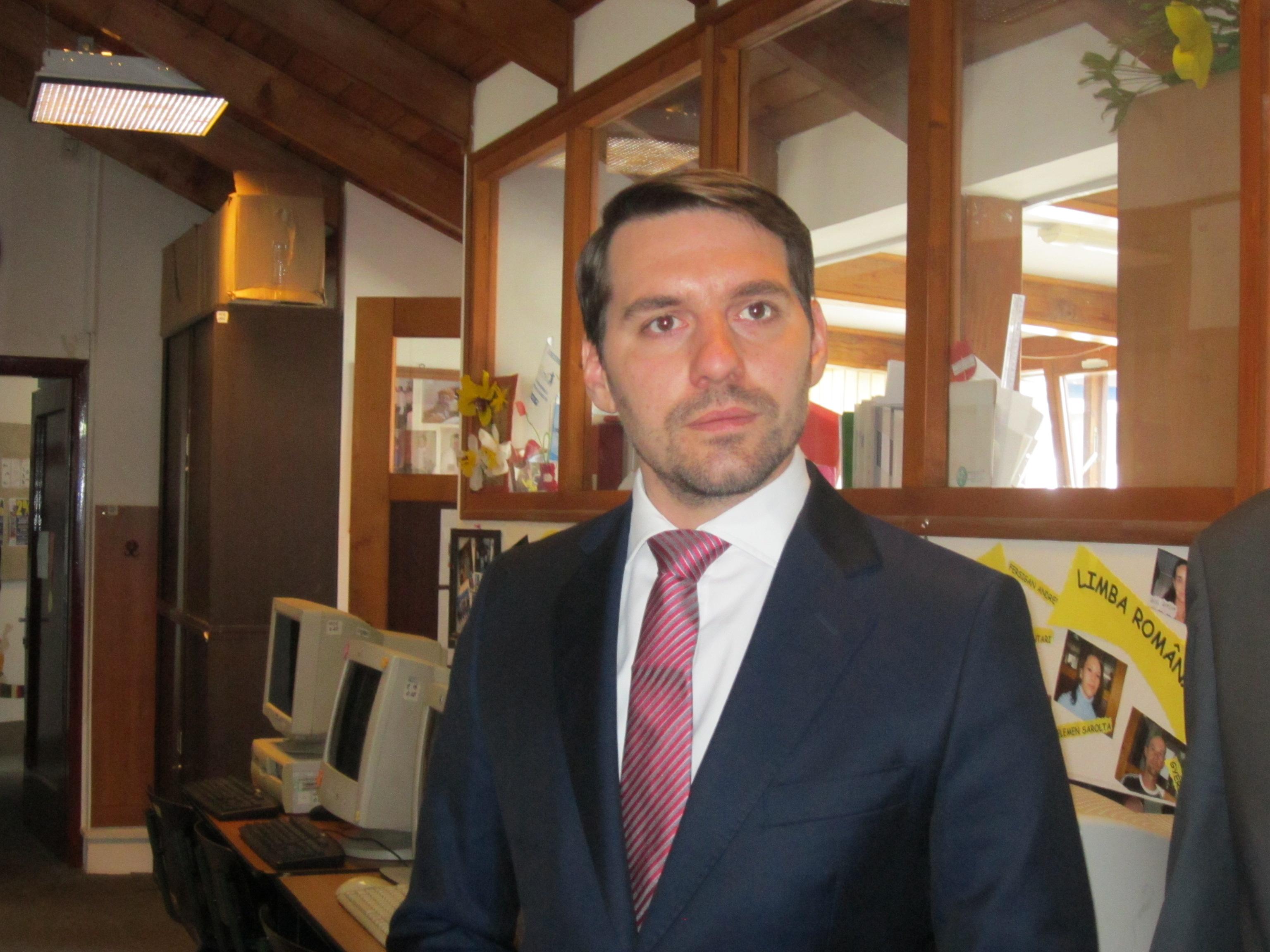Principele Nicolae al României va fi voluntar la Fundaţia Alpha Transilvană din Tîrgu-Mureş