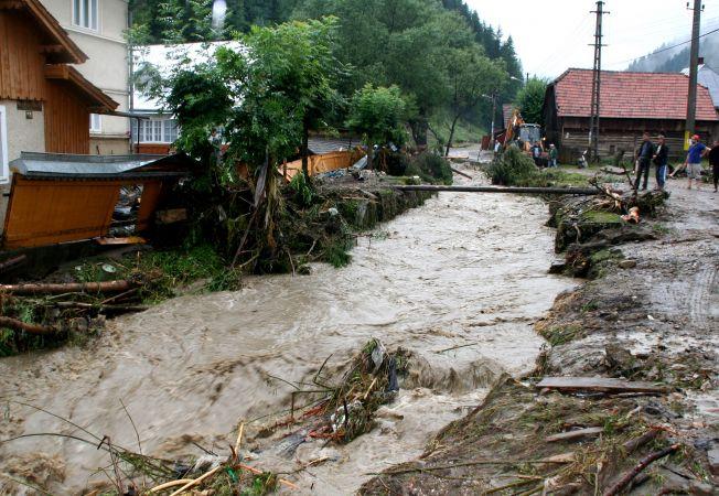 Cod portocaliu de inundaţii în 4 judeţe