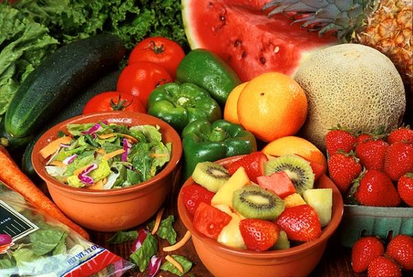 În Tg.Mureş se află singurul laborator, din provincie, acreditat pentru depistarea pesticidelor din legume şi fructe