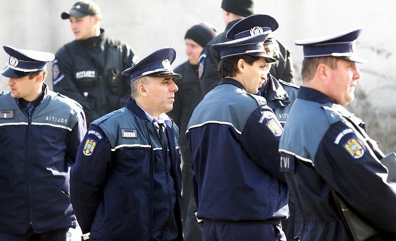 Peste 1200 de poliţişti şi jandarmi vor asigura în  judeţul Mureş paza celor 569 secţii de votare