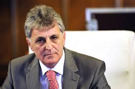Ministrul Apărării Naţionale, Mircea Duşa, a participat, azi, la tradiţionalul ceremonial de cinstire a eroilor care a avut loc la mausoleul de la Secu-Topliţa