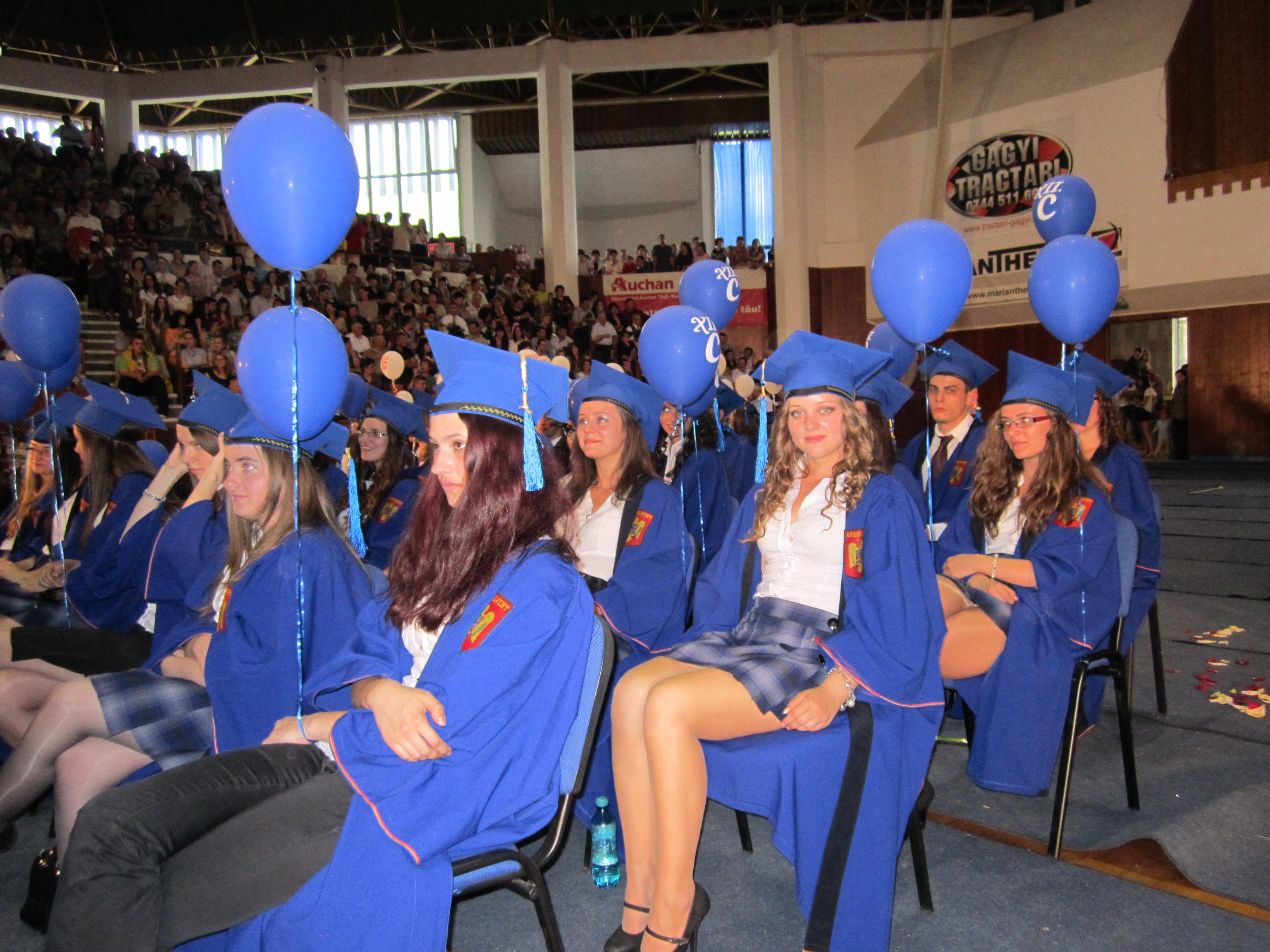 Festivităţile de absolvire a liceelor sunt în plină desfăşurare la Tg.Mureş