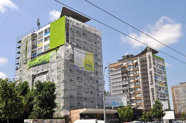 Guvernul a achitat datoria către Primăria Brașov pentru lucrările de izolare a blocurilor
