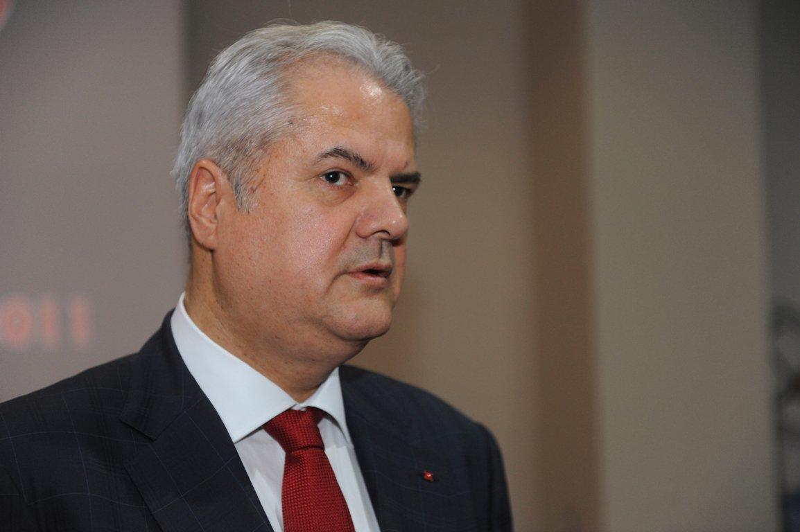 Curtea de Apel Bucureşti se va pronunţa astăzi pe cererea DNA de acordare a unui spor de pedeapsă la cei patru ani închisoare primiţi de Adrian Năstase în dosarele 'Zambaccian' şi 'Trofeul calităţii'
