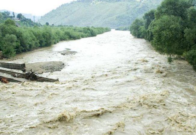 Cod Galben de inundaţii în mai multe bazine hidrografice