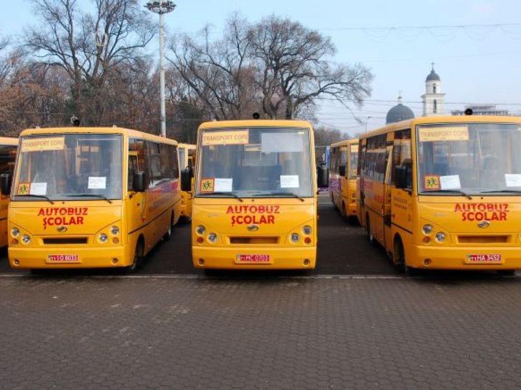 11 microbuze şcolare vor ajunge în acest an în comunităţile rurale îndepărtate din Harghita