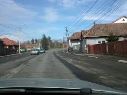 Oprirea maşinilor pe porţiunea din DN15 care traversează localitatea Sângeorgiu de Mureş va fi interzisă