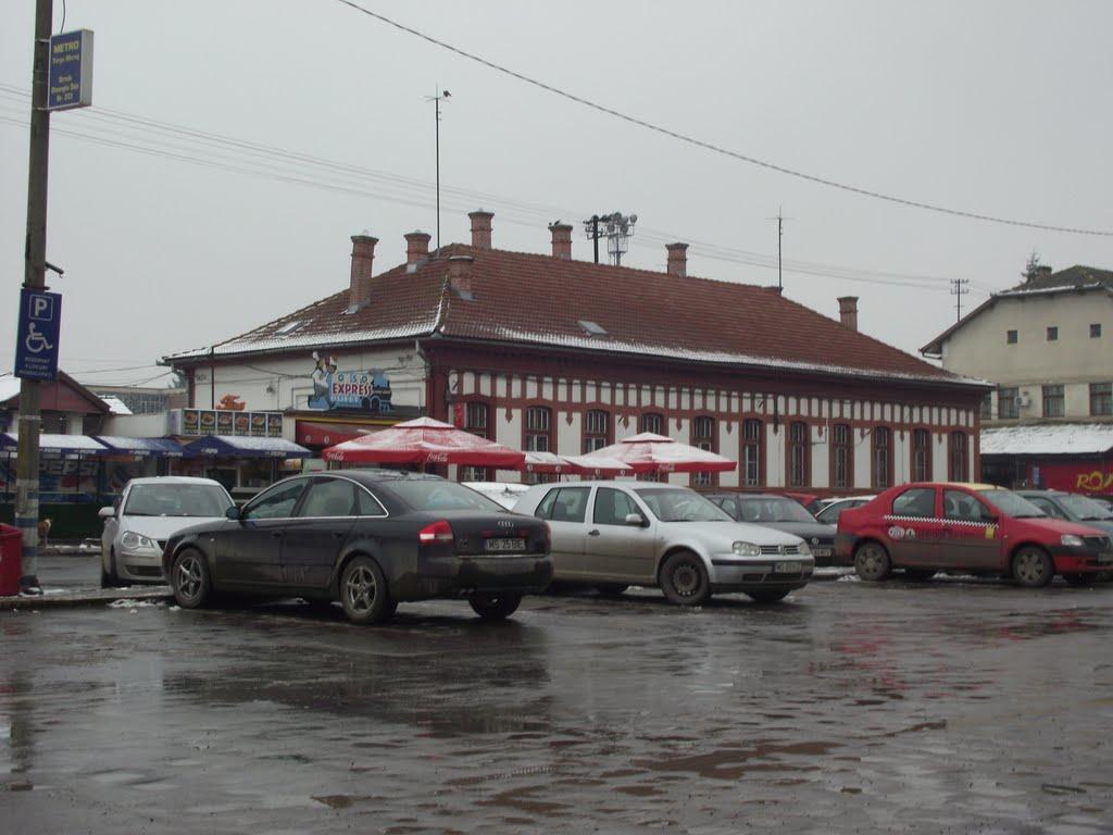 Modernizarea Gării Tîrgu-Mureş desfiinţează parcarea privată din zonă
