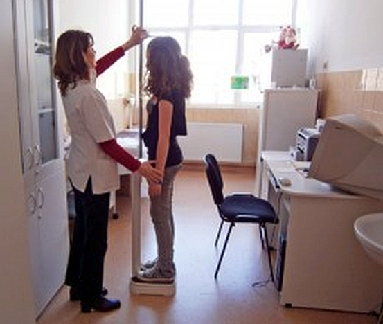 Şcolile brașovene nu vor avea asistenţă medicală suficientă, nici în acest an