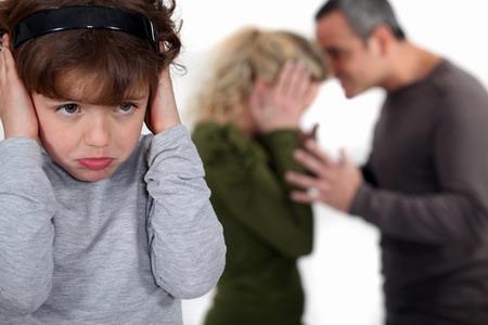 Specialişti în domeniul prevenirii şi combaterii violenţei în familie îşi dau întâlnire la Tîrgu-Mureş