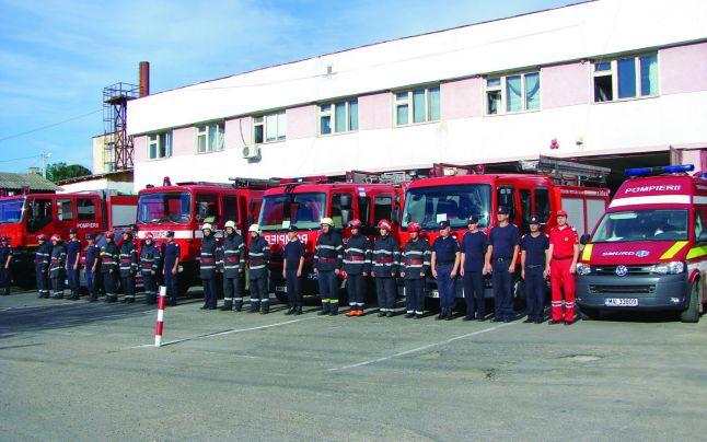 Ziua Pompierilor a fost marcată, în centrul municipiului Miercurea Ciuc, printr-o serie de demonstraţii de salvare la înălţime, descarcerare sau stingerea unui incendiu