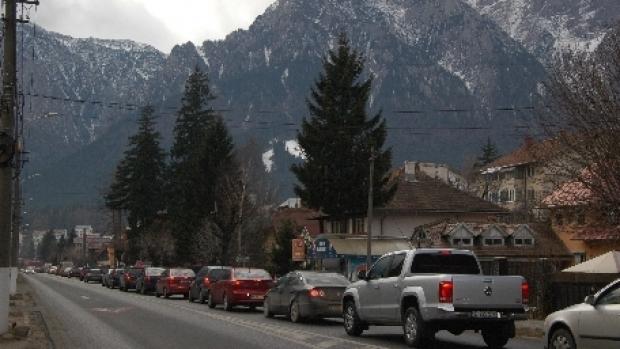 Traficul rutier este întrerupt pe DN1 Braşov – Predeal, în zona Timişu de Sus, din cauza unui accident rutier