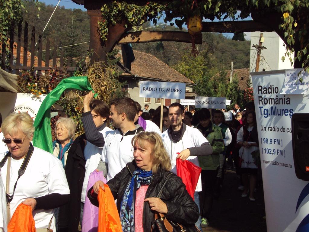 La Praid, în judeţul Harghita se desfăşoară Ediţia a XIX-a a Festivalului Sarmalelor
