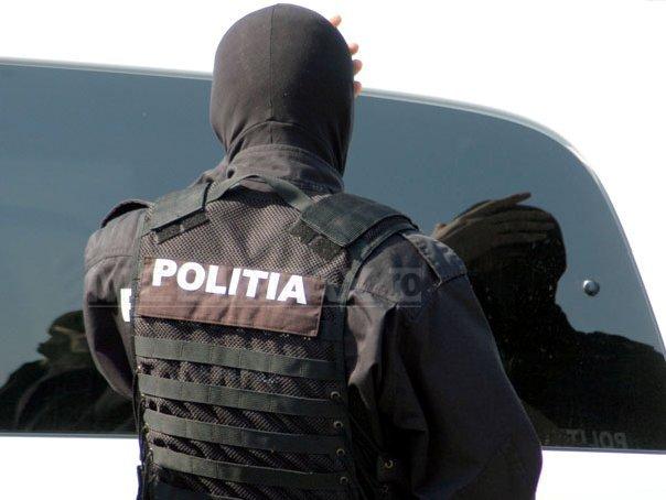 Percheziţii la 15 persoane din Mureş, Cluj şi Vâlcea, bănuite de evaziune fiscală