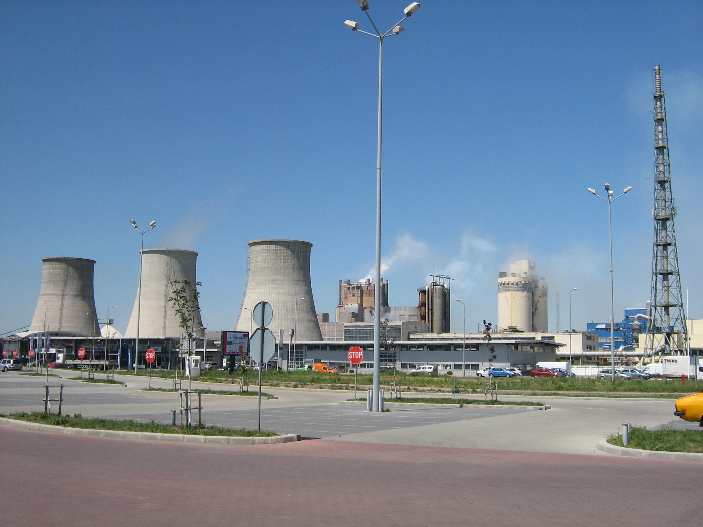 Investiţii pentru reducerea emisiilor de amoniac la Azomureş