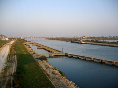 Lucrările la Canalul Bucureşti –Dunăre, la care s-au investit până în 1989 un miliard de dolari ar putea fi reluate după 2030
