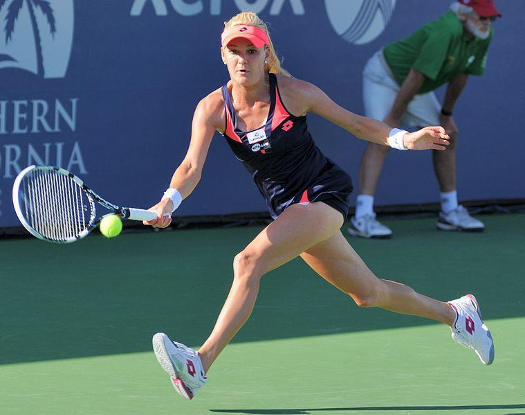 Radwanska, victorie lejeră cu Kvitova la Turneul Campioanelor