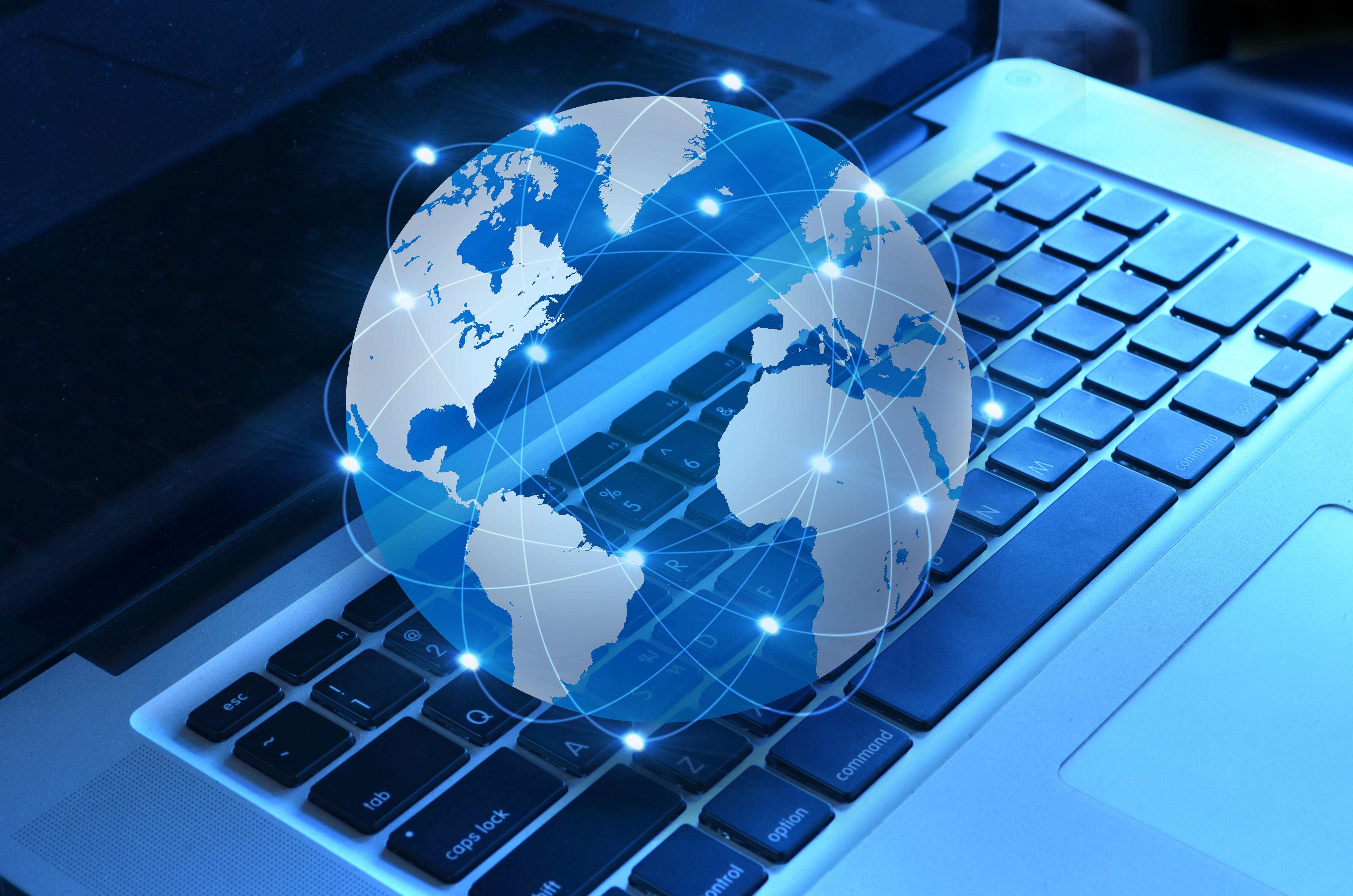 Miting împotriva taxei pe internet