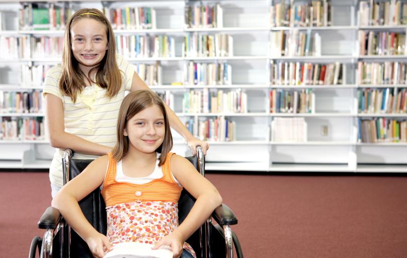 Mamele copiilor cu dizabilităţi sunt ajutate să se reintegreze în muncă