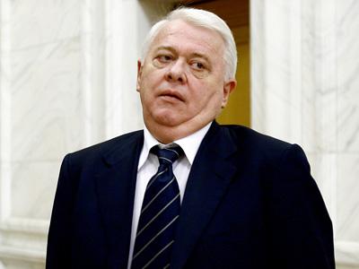 Viorel Hrebenciuc a fost reţinut de procurorii DNA Braşov, după mai multe ore de audieri, în dosarul retrocedărilor
