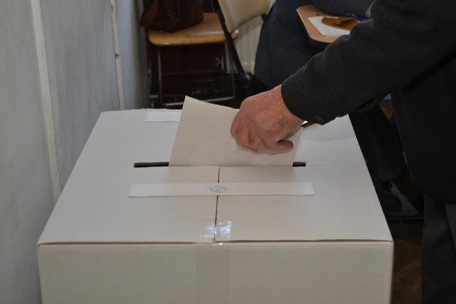 Peste 200 de deţinuţi au votat  la Penitenciarul Miercurea Ciuc