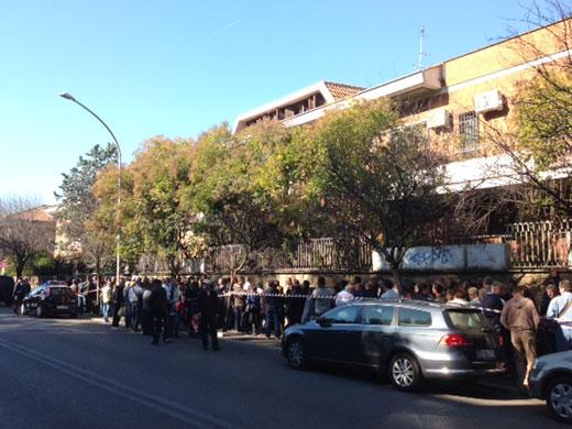 Românii din diaspora au stat la cozi mari pentru a vota
