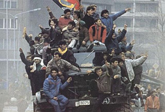 27 de ani de la revolta muncitorilor din Braşov împotriva regimului communist