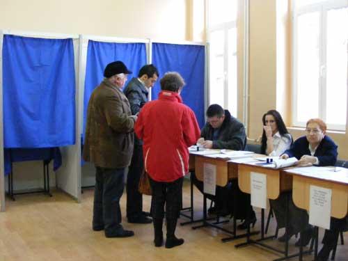 În unele localităţi din judeţul Suceava au fost câteva probleme înainte de deschiderea secţiilor de votare