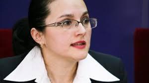 Procurorul şef al DIICOT, Alina Bica, urmează să fie prezentată astăzi la Instanţa Supremă cu propunere de arest la domiciliu