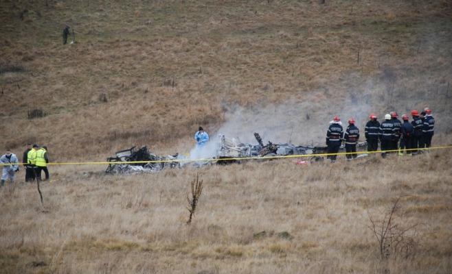 Procurorii militari au început urmărirea penală în cazul prăbuşirii elicopterului militar în judeţul Sibiu