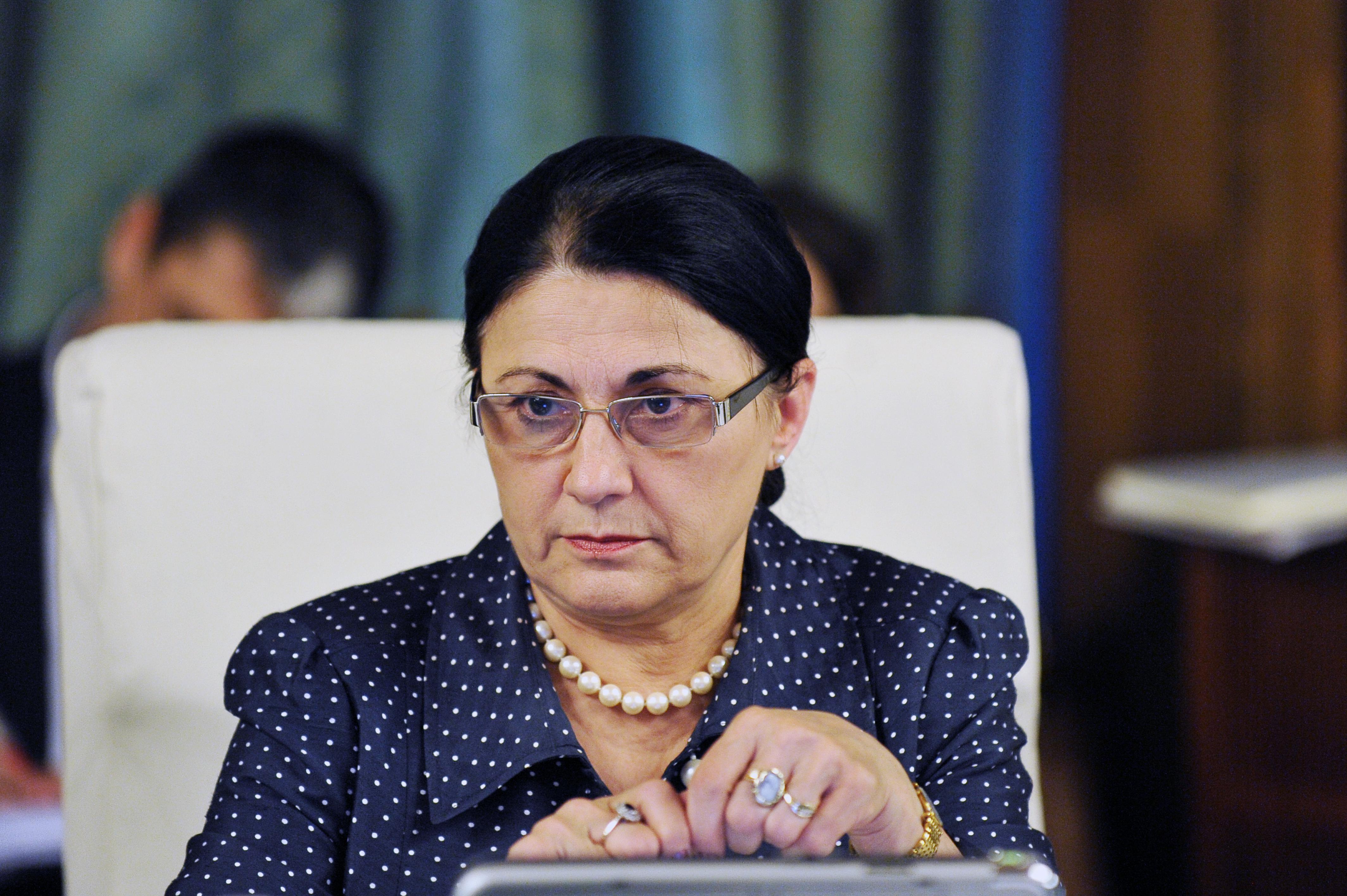 Ecaterina Andronescu este urmărită penal