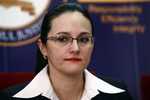 Alina Bica rămâne în arest preventiv