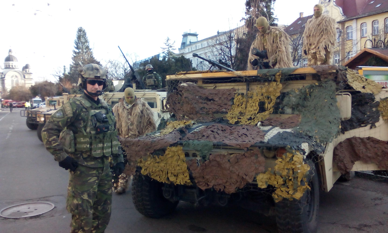 Tehnică militară de top, astăzi, în centrul Municipiului Tîrgu-Mureș