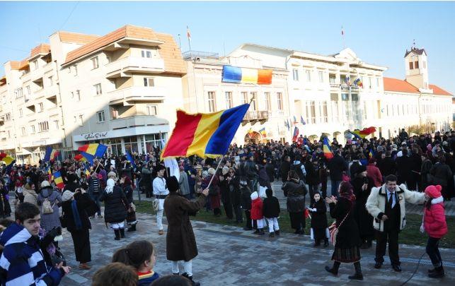 Aproape 2000 de oameni au sărbătorit Ziua Naţională a României la Sfântu Gheorghe