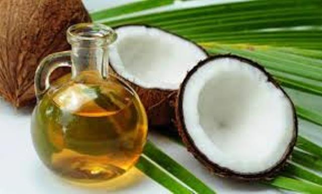 Binefacerile uleiului de cocos