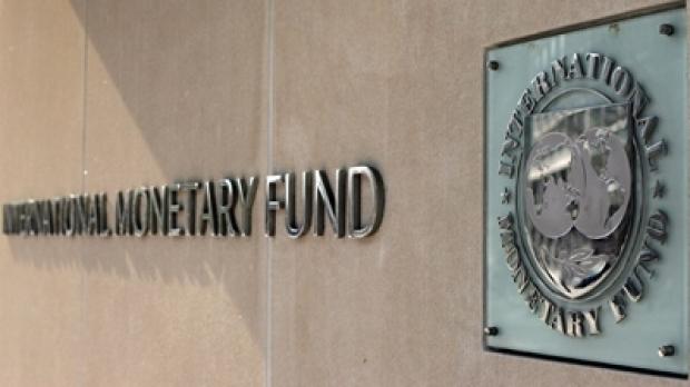 Continuă negocierile cu FMI