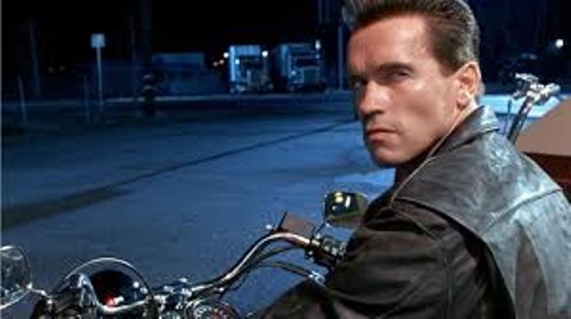 Arnold Schwarzenegger se întoarce!