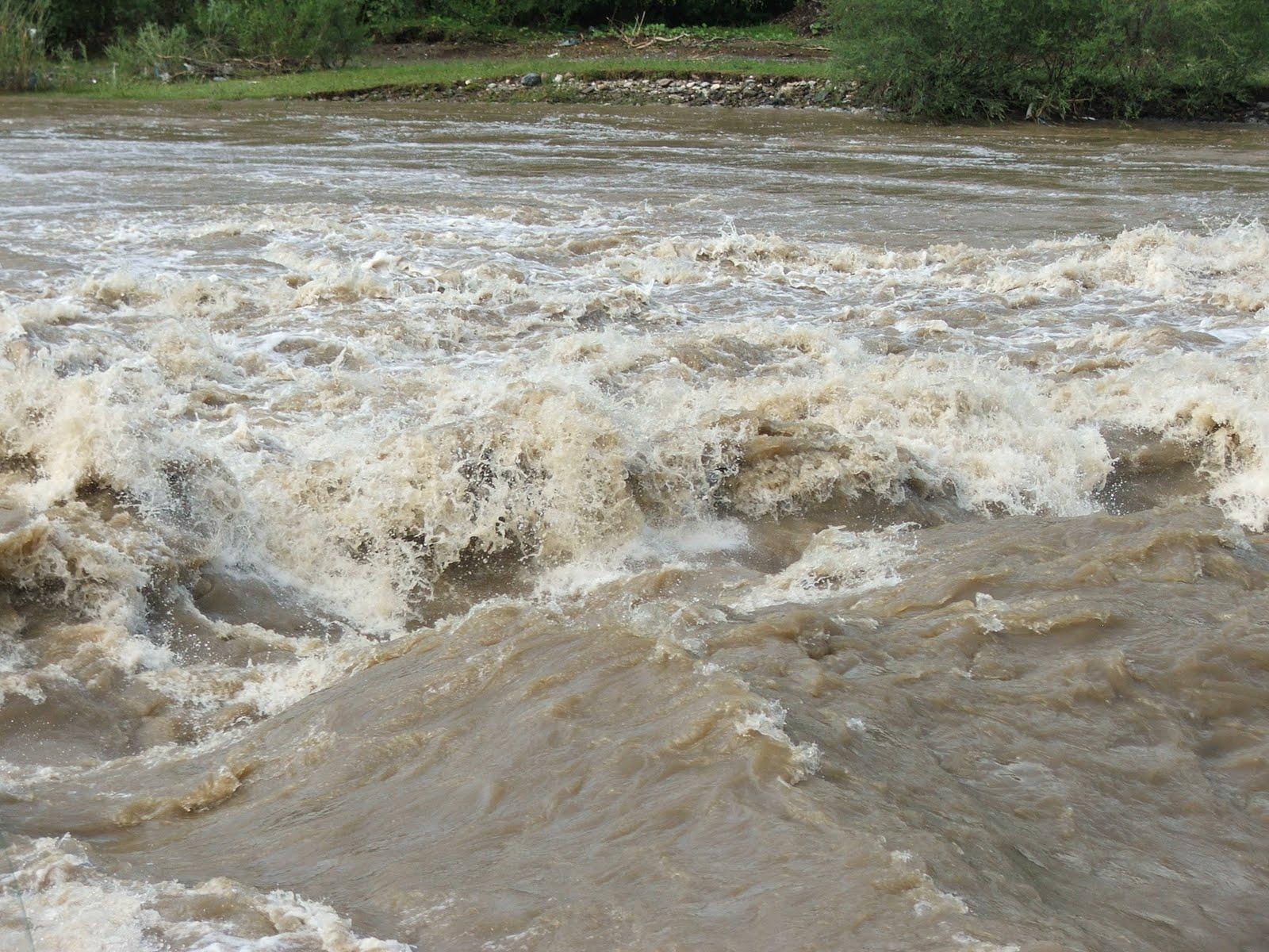 Hidrologii menţin până azi la ora 18:00, avertizarea de cod portocaliu de inundaţii