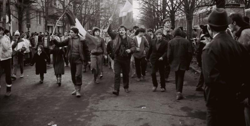 Revolutie-Timisoara-1989-in-fata-CC-al-PCR