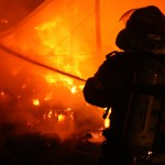 Incendiu-pompieri-bucurestifm.ro_