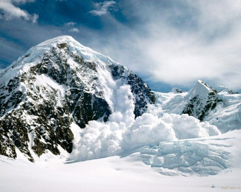 Pericol de avalanşă în Munţii Bucegi şi pe versantul nordic din Masivul Făgăraş
