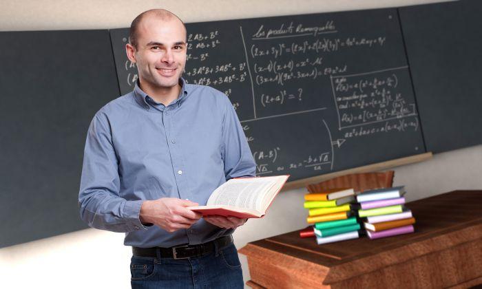 profesor-tabla-carti